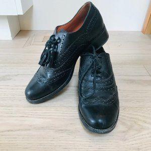 Black leather Geox Brogue